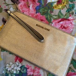 Michael Kors Large Zip Pouch andFREE Cotton Square